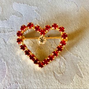 NWOT Lord & Taylor red crystal heart brooch pin